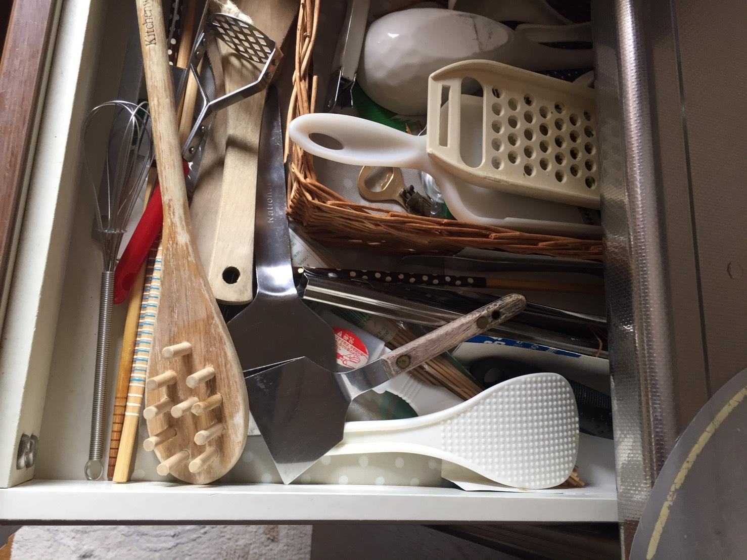 キッチン引き出し片づけ