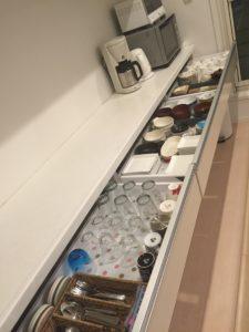 食器棚 片付け 暮らし